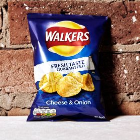 Cheese & Onion Crisps - Enjoy the British nation's favourite crisps with this classic bag of Walkers Cheese and Onion.
