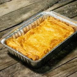 This 2lb Chicken, bacon & leek pie is perfect for that meal with the family or a loved one!
